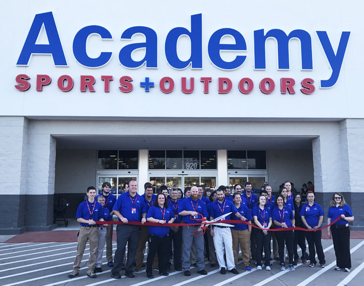 Academy+Sports+Outdoors_Cobra_Labs_Instore